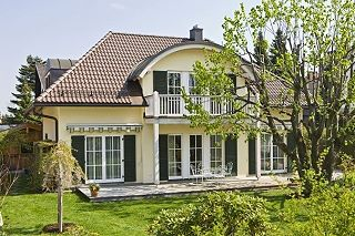 Dipl.-Ing.(FH) Architekt Georg Doll - Villa in Krailling